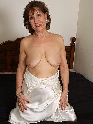Mature Lady Lynn