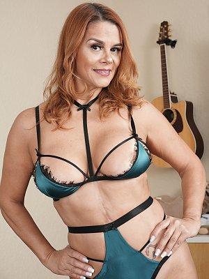 Hot Wife Juliett Russo
